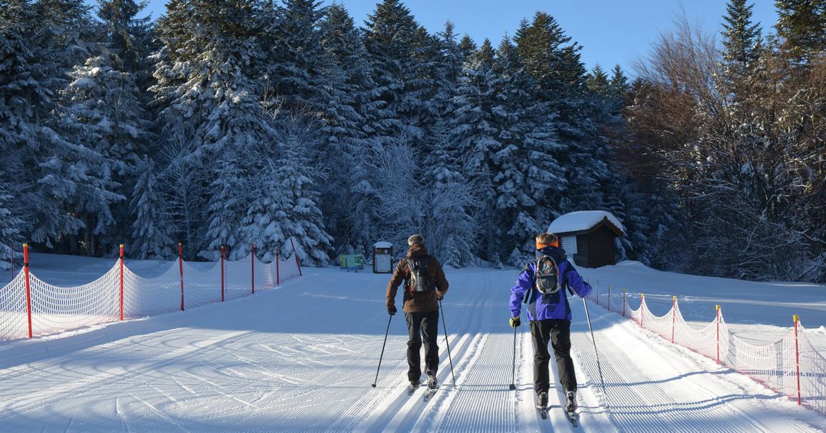 Col Loge_skieurs depart